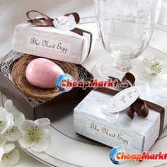 Pink Nest Egg Soap Description: A lightly scented soap for your new arrival! Pink Nest Egg Soap is wrapped in plastic inside a natural raffia nest. Wedding Favors And Gifts, Party Favors, Wedding Supplies, Party Supplies, Eggs For Baby, Egg Baby, Cheap Favors, Luxury Soap, Christmas Gift Decorations