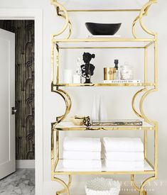 This family home strikes a perfect balance of glam, practical and welcoming with brass detailing, banquette seating and clever practical details. Interior Design Photos, Interior Inspiration, Inspiration Boards, Clever Bathroom Storage, Alice Lane Home, Mirrored Side Tables, Modern Kitchen Island, Banquette Seating, Floor Design