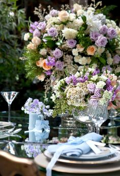 Casamento no jardim . Reception Decorations, Event Decor, Wedding Centerpieces, Wedding Bouquets, Wedding Flowers, Table Decorations, Wedding Lavender, Tall Centerpiece, Wedding Themes