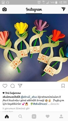 A sweet kid-made photo flower craft perfect for Mother's Day or Spring! Valentine Crafts For Kids, Mothers Day Crafts, Flower Cards, Paper Flowers, Preschool Crafts, Kids Crafts, Tarjetas Diy, Diy Y Manualidades, 8th Of March