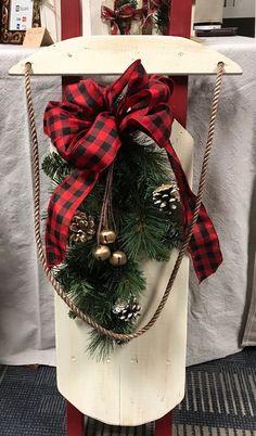 Farmhouse Christmas Sled Decor, Winter Sled, Decorative Wood Sled on Home Decor Ideas 2123 Christmas Sled, Scandi Christmas, Christmas Signs, Christmas Crafts, Christmas Ideas, Antique Christmas, Primitive Christmas, Christmas Christmas, Xmas