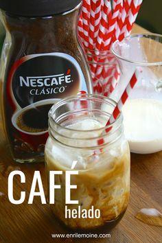 #AD Nada como un café helado, bien cremosito. Se prepara con sólo tres ingredientes incluyendo Nescafé. Haz clic para que veas lo fácil que es hacer esta delicia, incluyendo una video-receta #byenrilemoine #enrilemoine #recetadecafehelado #comohacercafehelado Deli Food, Cafe Food, Coffee Recipes, Brunch Recipes, Café Latte, Frappe Recipe, Healthy Starbucks, My Best Recipe, Shake Recipes