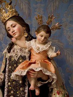 Reina y Hermosura del Carmelo, ¡Salve!