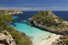 Die große Sommerhitze ist vorbei, die Touristenmassen abgezogen. Der perfekte Zeitpunkt, um nach Mallorca zu reisen! TRAVELBOOK nennt 10 Gründe, die die Lieblingsinsel der Deutschen im Herbst noch liebenswerter machen.