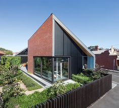 Harold Street Residence by Jackson Clements Burrows