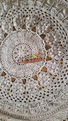 Queen Mandala CAL 2016 designed by Annamarie Joubert-Esterhuizen, Proudly South African. MoYa 100% cotton yarn used. Finished size to be 170…