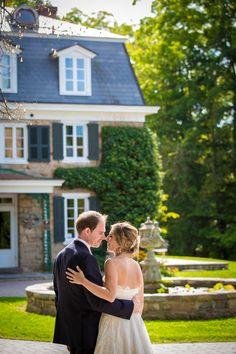 Gorgeous couple at The Inn at Barley Sheaf Farms | Juliana Laury Photography | Philadelphia + Bucks County Wedding Photography