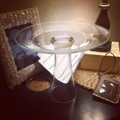 Dollar Tree glass plate + pub cup (already had glass glue) = Cake Stand! ONLY … - Dollar tree christmas diy Tree Wedding Centerpieces, Diy Centerpieces, Wedding Table, Diy Baby Shower Decorations, Diy Birthday Decorations, Christmas Decorations, Glass Glue, Diy Shower, Shower Cake