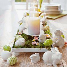 Wie sihet ein festlicher Tisch aus? Werfen Sie einen Blick auf die festliche Tischdeko zu Ostern in unserer Fotostrecke und schöpfen Sie neue Inspiration!!