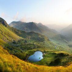 Der geheimnisvolle Talschluss mit Blick auf den Torsee Golf Courses, Outdoor, Mountains, Nature, Travel, Hiking, Outdoors, Naturaleza, Viajes