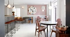 Mulberry & Prince Cape Town by Atelier Interiors. Cafe Bar, Cafe Restaurant, Restaurant Design, Restaurant Interiors, Murs Roses, Rue Verte, Deco Rose, Timber Table, Copper Table