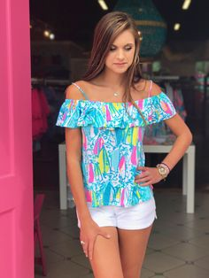 TAMIAMI OFF THE SHOULDER TOP LILLY PULITZER Summer in Lilly 2017 TAMIAMI OFF THE SHOULDER TOP Beach and Bae