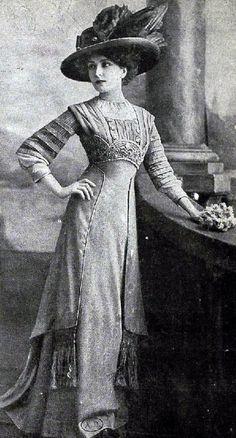 Edwardian Fashion - 1909