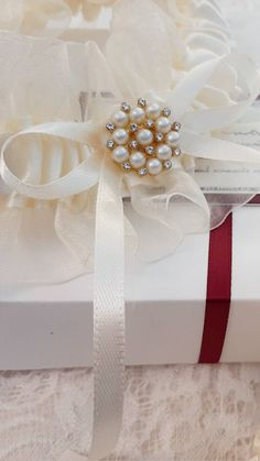 Ivory Bridal Garter, Wedding Garter Set, Best Friend Gifts, Wedding Signs, Gift Wrapping, Lace, Handmade, Wedding Plaques, Gift Wrapping Paper