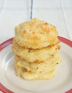 Three Cheese Drop Biscuits are packed with plenty of cheese and spices. So simple and delicious! - Bake or Break