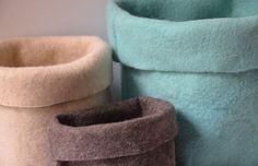 SUD WOLLE Objetos para la casa en fieltro industrial utilizando pura lana de oveja. http://charliechoices.com/sud-wolle/