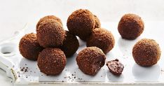 With only four ingredients, these easy no-cook chocolate truffles make the best late-night snack. Christmas Cooking, Christmas Desserts, Christmas Nibbles, Christmas Parties, Cooking Chocolate, Chocolate Recipes, Chocolate Ripple Biscuits, Best Late Night Snacks, Broken Biscuits