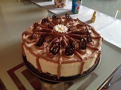 Amicelli - Torte, ein raffiniertes Rezept aus der Kategorie Torten. Bewertungen: 42. Durchschnitt: Ø 4,2.