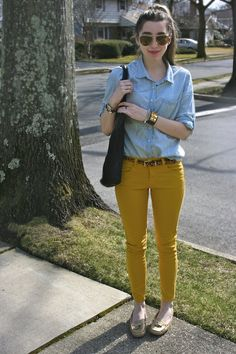 sorelle in style Preppy Outfits, Preppy Style, My Style, Yellow Skinny Jeans, How To Wear Loafers, Winter Teacher Outfits, Pencil Skirt Casual, Winter Fashion Casual, Plus Size Sweaters