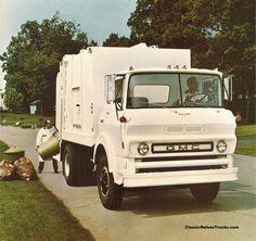 Republic Services, Rubbish Truck, Equipment Trailers, Garbage Truck, Vintage Trucks, Classic Trucks, Bison, Chevy Trucks, Recreational Vehicles