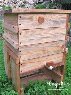 Worm Composting, Worm Farm, Green Life, Home Repair, Diy Projects To Try, Worms, Reuse, Homemade, Storage