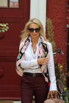 fashion trends for women over for women over 50 style, Fashion For Women Over 40, Fashion Over 50, Look Fashion, Moda Outfits, Chic Outfits, Fashion Outfits, Fashion Trends, Fashion Boots, Summer Outfits Women