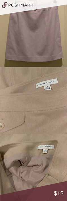 Banana Republic cashmere wool size 0 Pencil mini side zipper with front pocket.  Fully lined. Banana Republic Skirts Mini