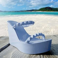 Seas the day! #studs #carmensol #carmensolofficial #wedges #style #stylish #shoes #fashion #sunnydays #jellyaccessories #jellyshoes #beach #blue #chic #beachstyle