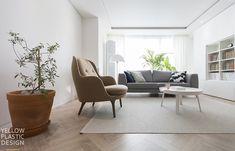 분당에서 스톡홀름 느끼기 _ 유행과는 별개로 사랑스럽고 따뜻한 느낌 때문에 계속 사랑할 수 밖에 없어요.... Accent Chairs, Living Room, Interior, Furniture, Home Decor, Living Room Ideas, House, Upholstered Chairs, Decoration Home