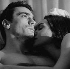 Jaw Line, Runaway Train, Pregnancy Art, Black And White Love, Love Wallpaper, Celebrity Couples, Couple Goals, Che Guevara, Tv Series