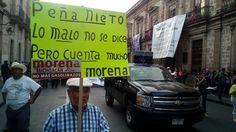 Unas 120 personas, entre miembros de la CNTE y del Morena, así como del SPUM y el SUEM, además de organizaciones sociales, marcharon contra el alza a los combustibles, pero ...
