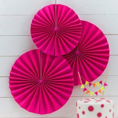 These neon pink pinwheel pan decorations will make any party pop! Very on-trend and perfect for summer time birthdays or bbqs! - Neon Birthday at GingerRay.co.uk