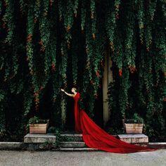 Beautiful scene and beautiful dress!
