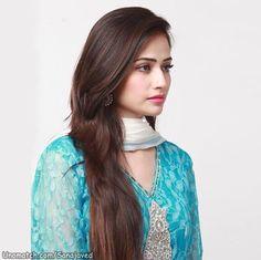 Upcoming Pakistani Model Sana Javed Photoshoot: Sana Javed is a Pakistani cricketer. Pakistani Models, Pakistani Girl, Pakistani Actress, Pakistani Dresses, Very Pretty Girl, Arab Girls, Celebs, Celebrities, Indian Beauty