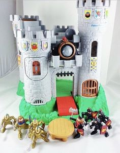 This fisher price adventure castle from the 90's : nostalgia