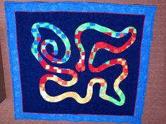 Quilt in blau, Spielteppich
