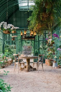 A Jaw-Dropping Backyard Conservatory in Tennessee – Garden & Gun