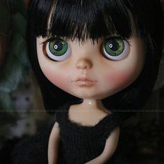 Piper is still looking for a home ~ ~ ~ Piper sigue en busca de un hogar • #Sonydolls #blythedoll