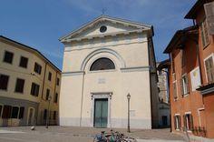 Immagine di http://upload.wikimedia.org/wikipedia/commons/5/51/Cervignano_-_Chiesa_di_San_Michele.jpg.