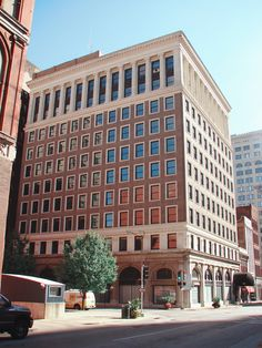 Laclede Gas Power & Light Building -St. Louis MO. Quaker's Historical Series single hung windows.