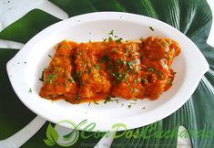 Caballa con salsa de pimientos asados Tandoori Chicken, Carne, Ethnic Recipes, Fish Recipes, Garlic, Cook, Ethnic Food