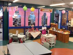 Cafe role play area! Cafe Role Play Area, Role Play Areas, Preschool Restaurant, Restaurant Themes, Dramatic Play Area, Dramatic Play Centers, Classroom Displays, Classroom Themes, Play Based Learning