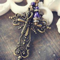 Victorian+Cross+Necklace