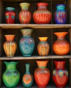 Hacienda Style - Recycled Vases Love these vivid colours! Ceramic Pottery, Pottery Art, Ceramic Art, Glazed Pottery, Pottery Ideas, Talavera Pottery, Painted Pottery, Slab Pottery, Pottery Studio