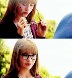 Kara's glasses are lead lined to help her control her visual powers. Her adoptive father Jeremiah Danvers designed these glasses to help suppress her powers and make her fit in more. In a way, they sort of became a symbol of suppression and being normal. Supergirl Superman, Supergirl 2015, Supergirl And Flash, Marvel Vs, Marvel Dc Comics, The Cw, Superhero Tv Shows, Kara Danvers Supergirl, Cw Dc