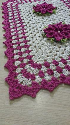 Best 11 How to Crochet a Chain Loop Flower by Naztazia. Cute chrysanthemum for a scarf, shawl, hat, handbag and more. Crochet Shell Stitch, C2c Crochet, Crochet Squares, Filet Crochet, Crochet Stitches, Crochet Table Runner, Crochet Tablecloth, Crochet Doilies, Crochet Flower Patterns