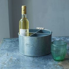 Crafted from metal this reminiscent Drinks Caddy is an eclectic vintage addition to an outdoor party. Transport up to four drinks with ease and style. Christmas Home, Sale Items, Barware, Drinks, Green, Kitchen, Outdoor, Drinking, Outdoors
