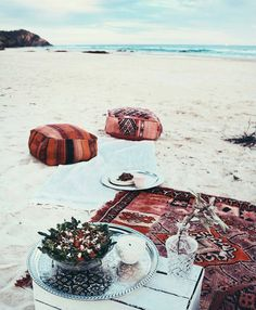 Picnic on the beach at Vacay Beach Picnic, Picnic Set, Interior Exterior, Adventure Is Out There, Beach Bum, Summer Vibes, Summer Days, Adventure Travel, Adventure Time
