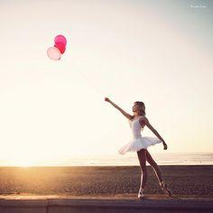 Ballet, praia e balões. Três ideias sugestões para incluir no book de fotos. #photos #fotografia #book