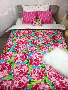 This adorable pink petal bedding comes with 4 pretty pillows and a high quality stuffed comforter made with love just for your dollie!  All of my comforter sets are made to fit any and all American girl doll bed , our generation, 18 inch doll.  Accessories such as bed , fitted sheets, sofa, doll or props are not included.  Sometimes I ship outside the US :)! If you live in Australia or Canada and are interested in purchasing from me please direct message me so we can work out your shipping…